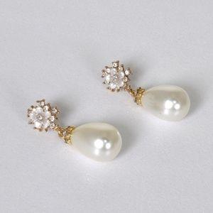 Pearl Drop Earrings Gold